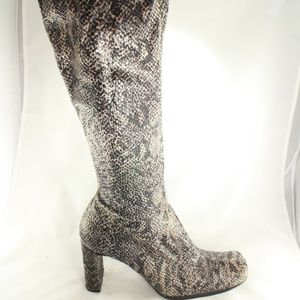 LIKE NEW Chinese Laundry Glamour Snake Print Boots